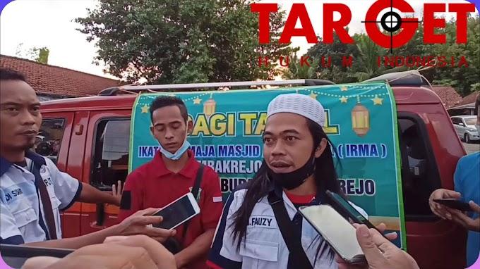 Sekber IPJT DPC Purworejo dan IRMA Tambakrejo Berbagi Takjil di Bulan Suci Ramandhan