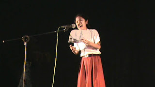 Teknik Membaca Puisi Agar Menarik Saat Lomba