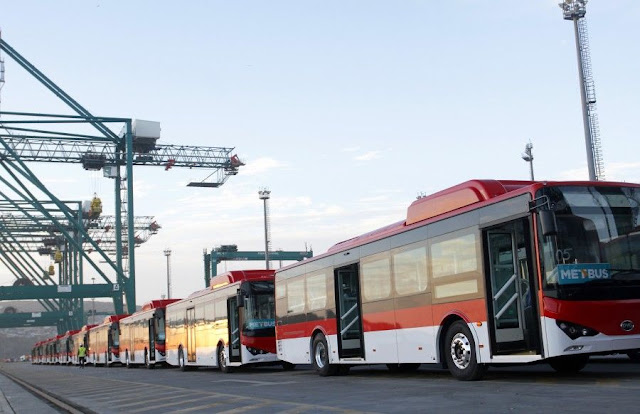 New Chinese electric buses arrived in Chile.