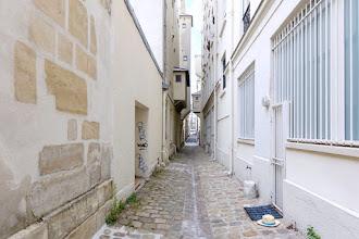 Paris : Ruelle Sourdis, atmosphère médiévale anachronique pour une venelle du XVIIème siècle - IIIème