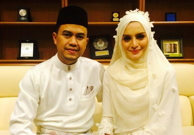 Hanez Suraya tuntut cerai daripada suami?