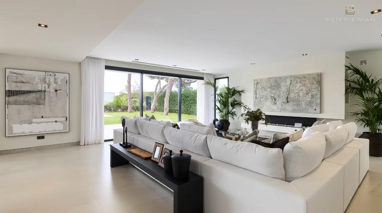 38 Interior Design Photos vs. € 3,500,000 Modern Cabopino Villa Marbella Tour