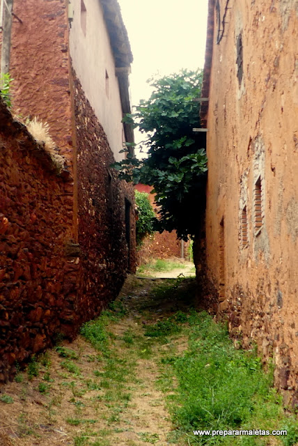 turismo rural por los pueblos rojos de Segovia