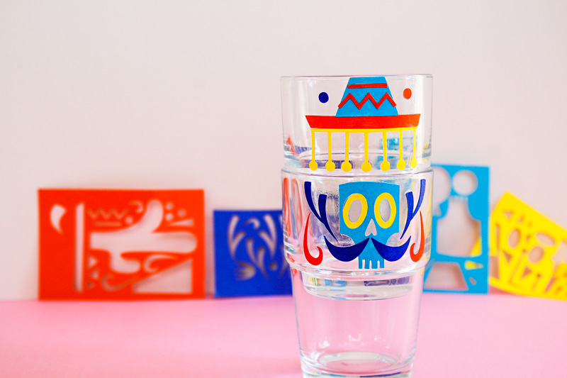 https://camillepplin.blogspot.com/2019/10/customisation-des-verres-ikea-reko-pour.html#more