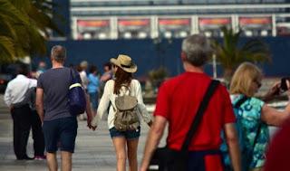 Ρεκόρ αφίξεων τουριστών και αύξηση στα έσοδα αναμένει ο ΣΕΤΕ για φέτος