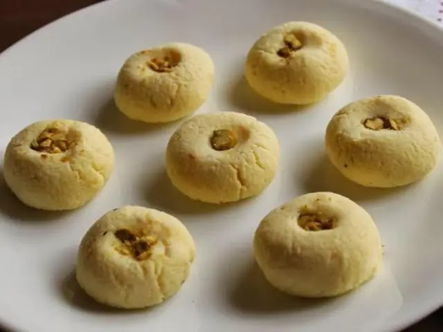 Sondesh: How to make nice and delicious Sondesh recipe Indian sweets