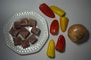 Brocheta de atún con pimientos y cebolla - ingredientes