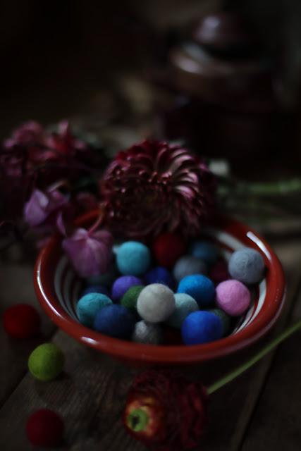 still life, feltball, sukhi