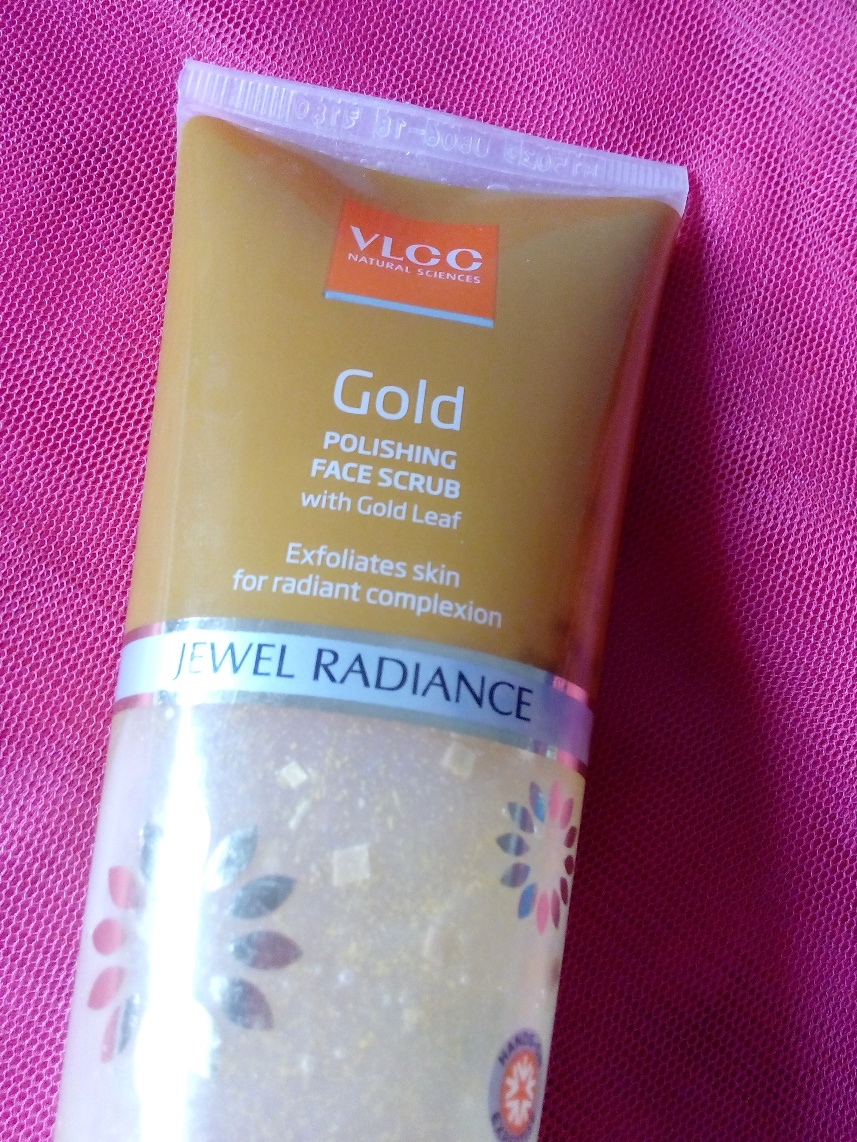VLCC Gold Polishing Face Scrub Jewel Radiance Review, Pictures & Swatches