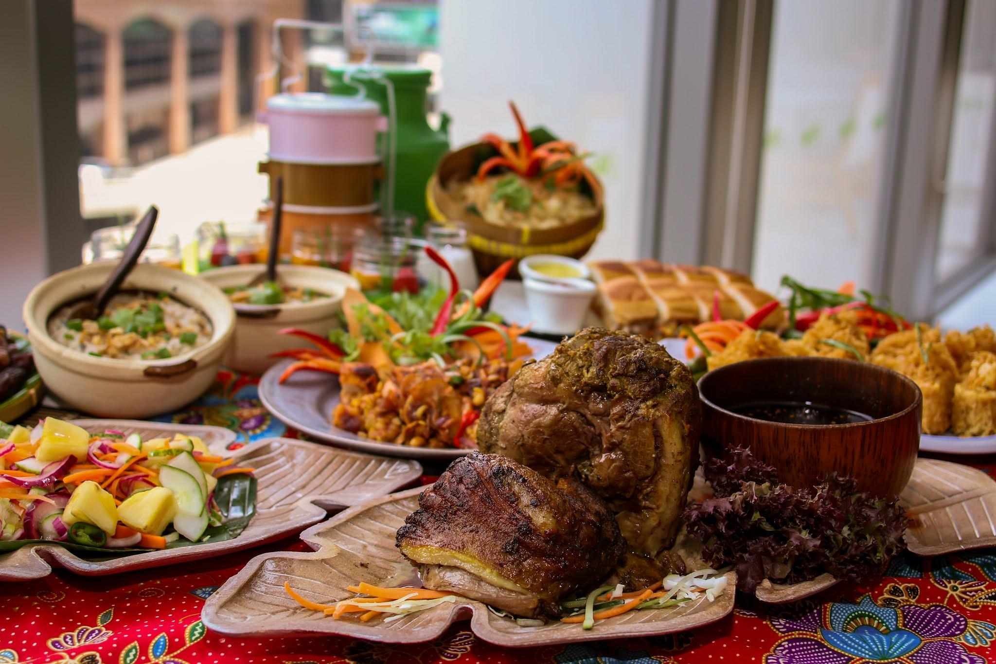 aloft kuala lumpur sentral: jom buka 2021 ramadan buffet and takeaway sets