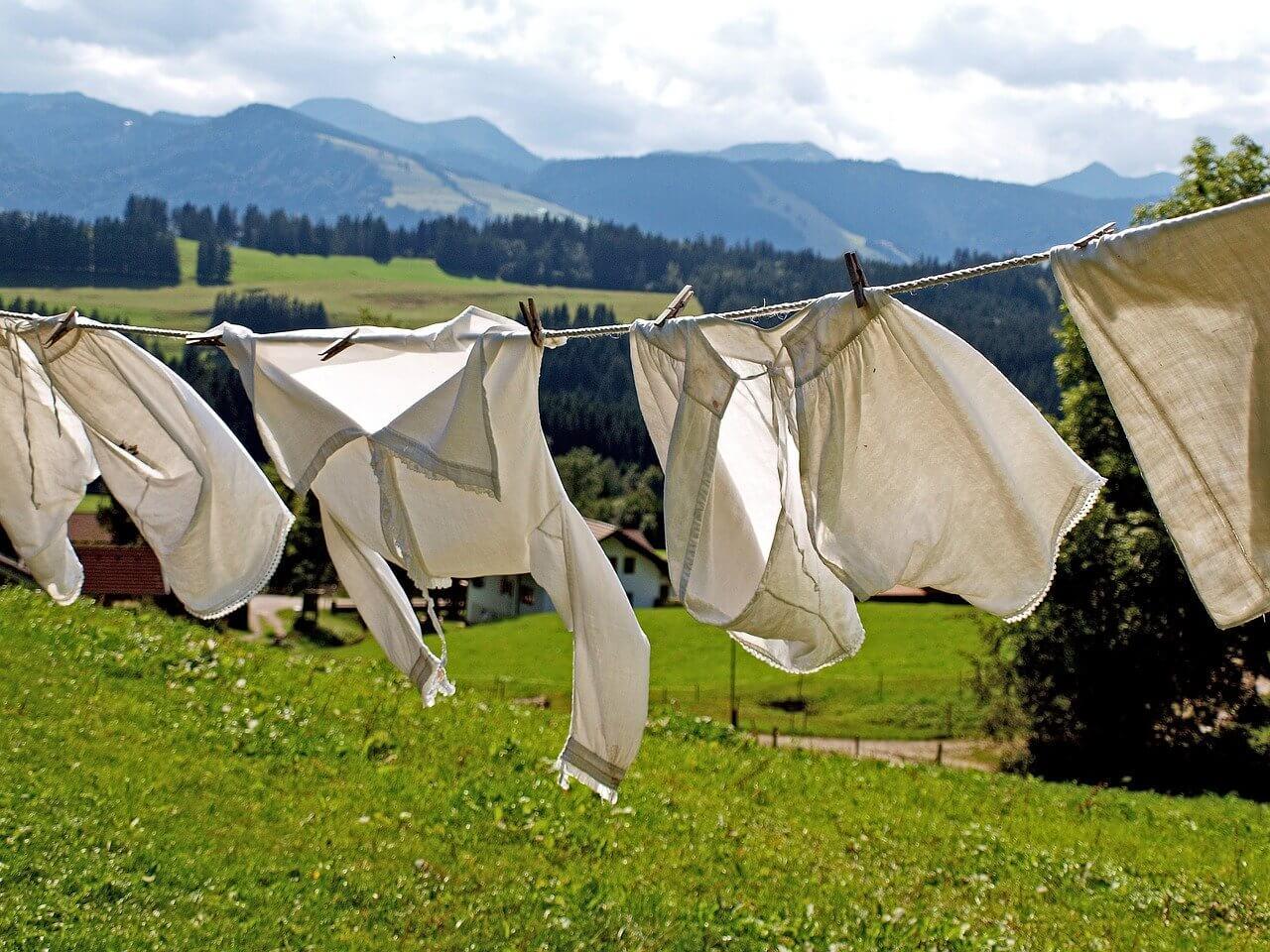 Menghilangkan Penyebab Bau Apek Pakaian