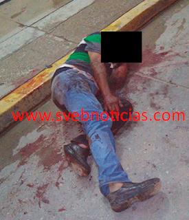 Matan a puñaladas a un hombre en calles de Cosoleacaque Veracruz