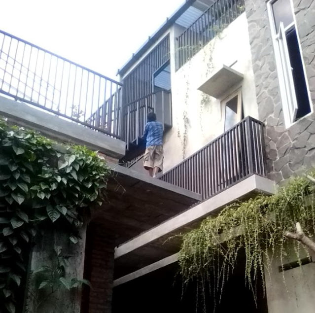 rumah minimalis 3 lantai unfinish