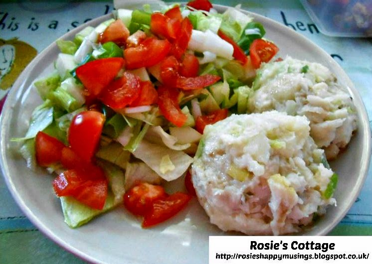 Recipe baked potato steamed fish spring onion rounds with crispy salad