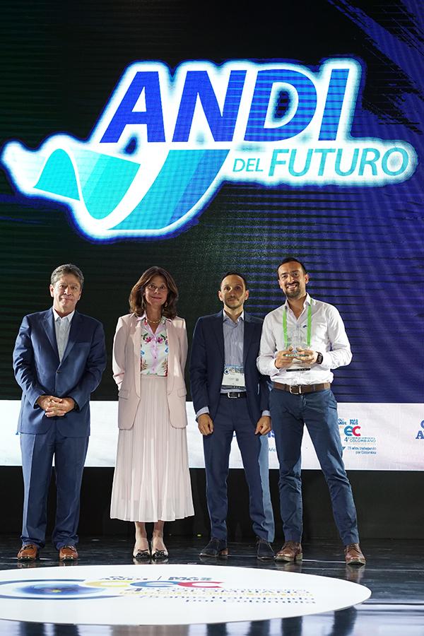 Lentesplus-premio-empresa-ANDI-futuro