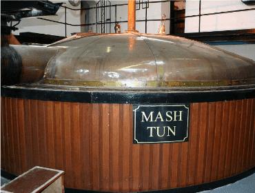 Mashtun usado na produção de uísque