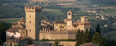 Borgo Medievale di Vigoleno - Piacenza. Meta idelae per gite e vacanze in Emilia