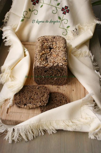 Pan de molde con semillas y malta en panificadora  El Ágora de Ángeles
