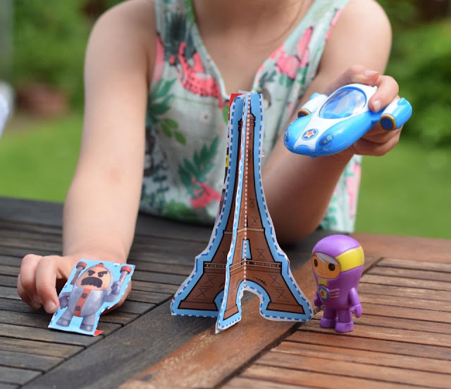 imaginative play with Go Jetters