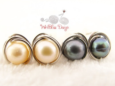 Simple yet elegant - pearl studs by WireBliss