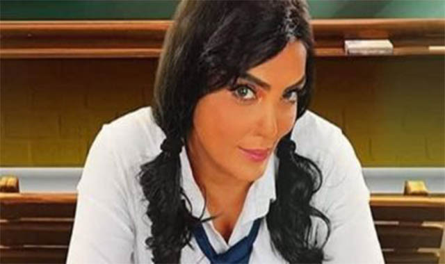 الفنانة حورية فرغلي والقفص الصدري