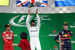 FÓRMULA 1 - Lewis Hamilton se corona en China y regresa al liderato de la clasificación general
