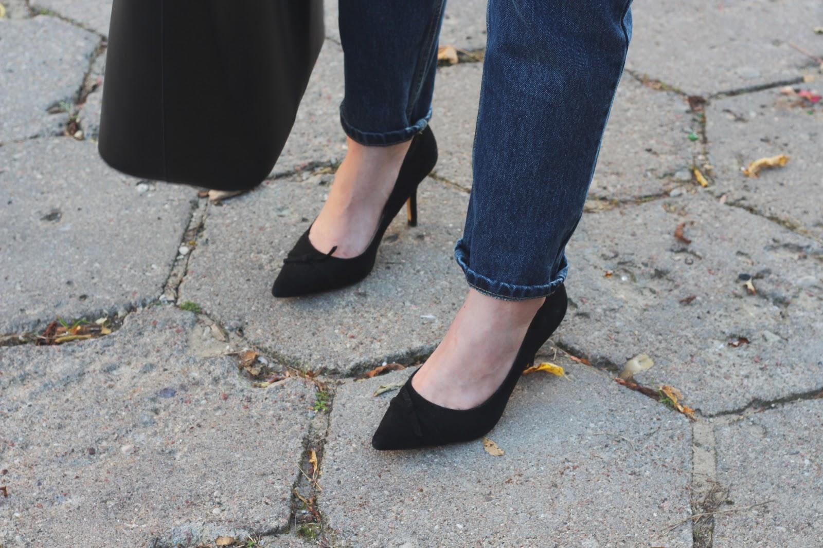 czarne zamszowe czółenka Zara street style