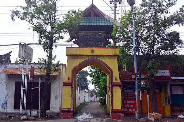 Memasuki kawasan Kampung Heritage Karangturi
