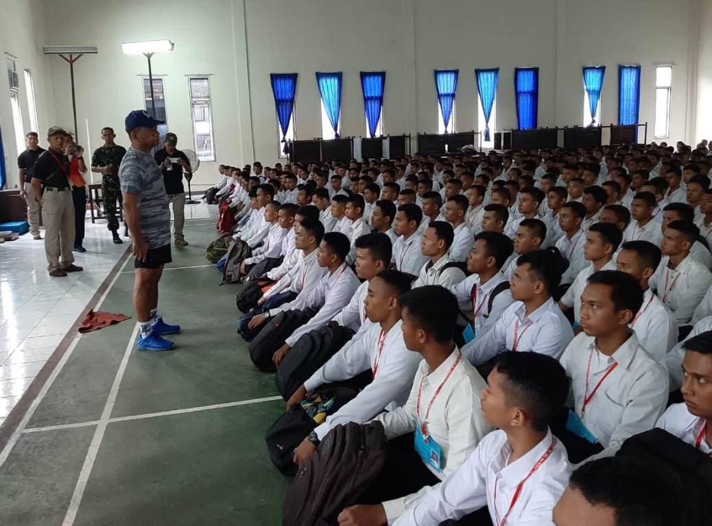 Danlantamal lll Beri Arahan Calon Tamtama TNI AL Untuk Fisik Dan Mental