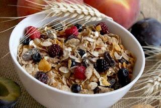 """<img src=""""nutricion-fibra.jpg"""" alt=""""algunos alimentos con nutrientes ricos en fibra"""">"""