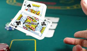 7 Card Stud Dalam Permainan Poker Online