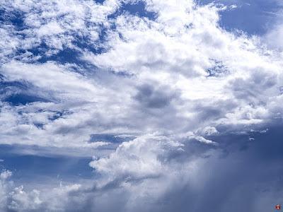 Summer blue sky: Yuigahama-beach