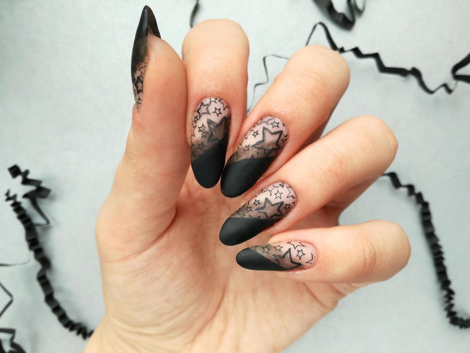 paznokcie w gwiazdki