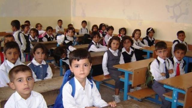 التربية النيابية تصدر قراراً بشأن تأجيل العام الدراسي الحالي؟