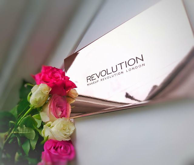 Moja recenzja - MAKEUP REVOLUTION 32 ULTRA EYESHADOWS FLAWLESS 3 RESURRECTION