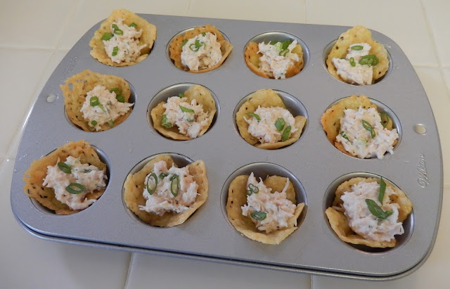 Cheese%2BCracker%2BCups%2Bfilled%2Bwith%2BChicken%2BSalad Weight Loss Recipes Party Food: Crunchy Cheese Cups
