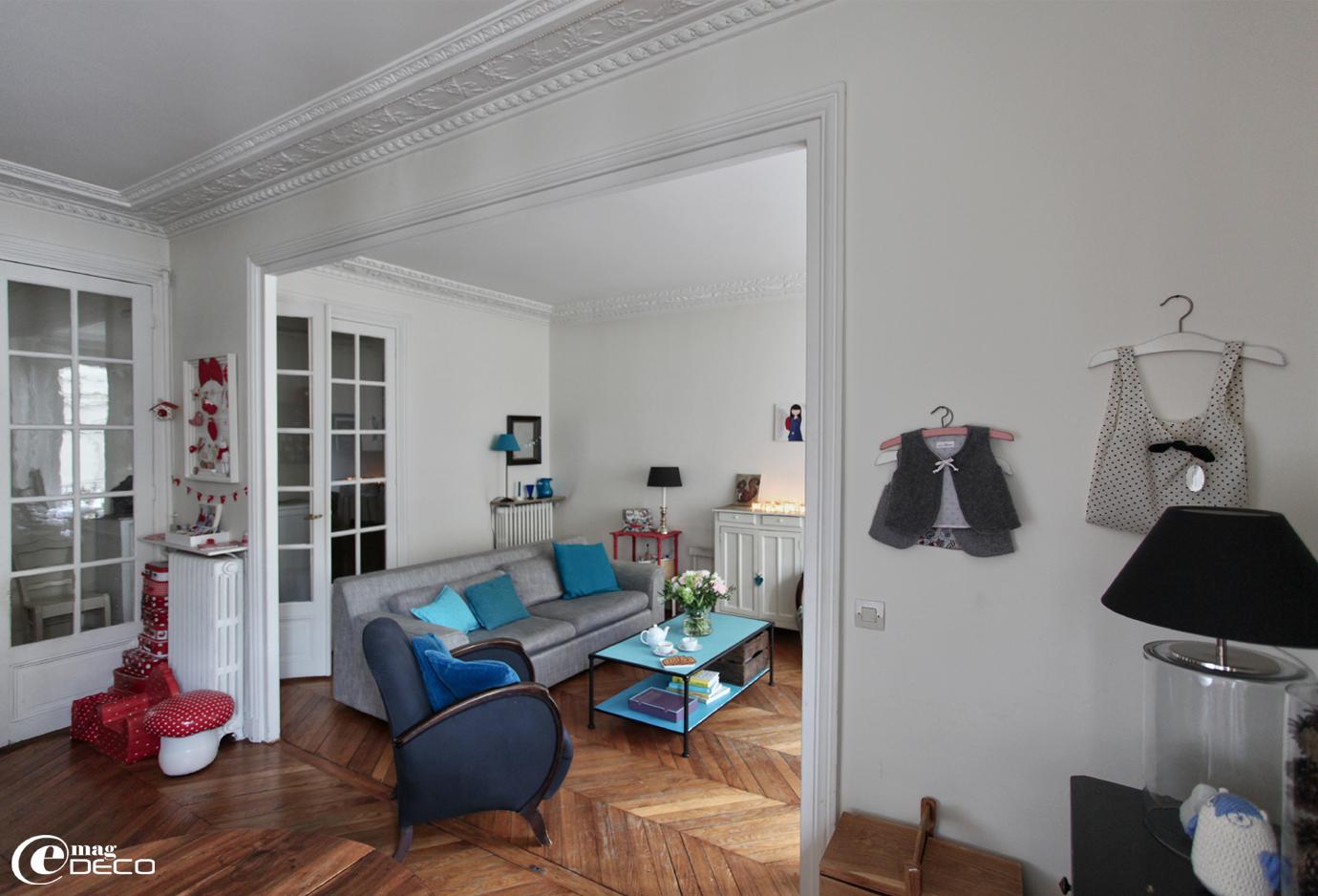 decoration petit salon parisien. Black Bedroom Furniture Sets. Home Design Ideas