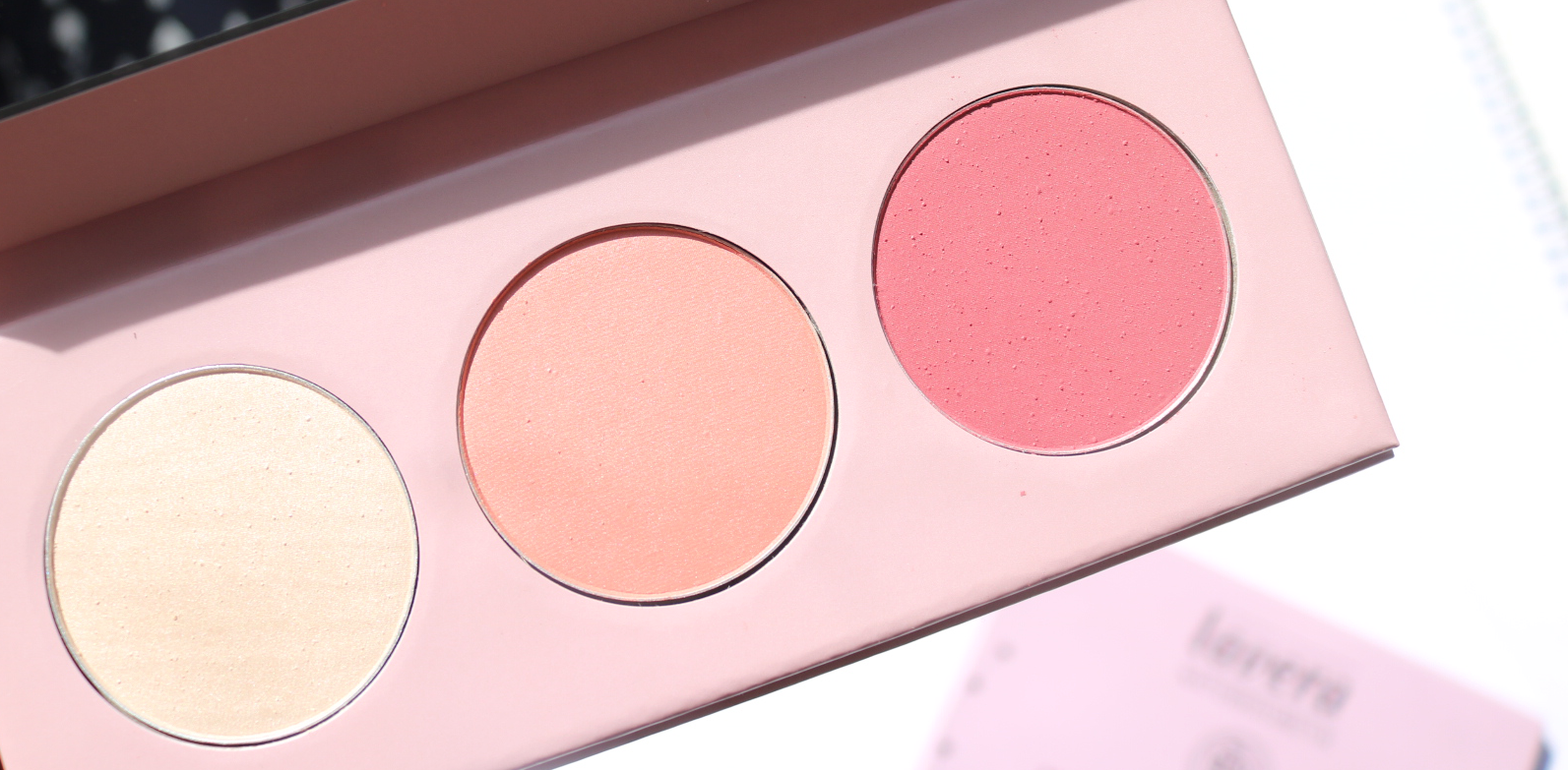 Lavera Limited Edition Natural Pastels Mineral Blush Palette in Coral Bloom review swatches