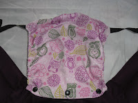 love & carry and portage babycarrier babywearing porte-bébé préformé pas cher ergobaby bambin bébé porter capuche