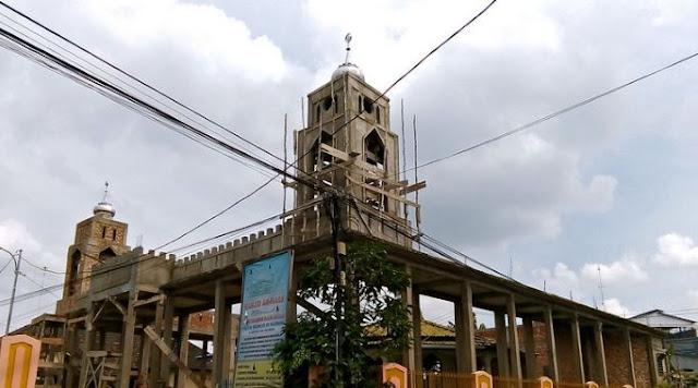 https://www.abusyuja.com/2020/03/bolehkah-zakat-untuk-pembangunan-masjid-dan-pesantren.html