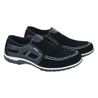 Sepatu Casual Slip On Pria Catenzo AT 086