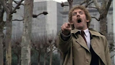 donald sutherland the invasion of the body snatchers ultracuerpos ladrones de cuerpos señalando pointing