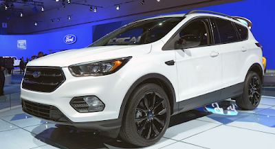 2017 Ford Escape S Series Owner Manual