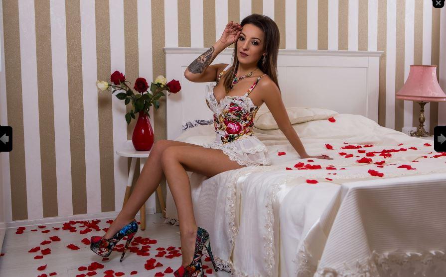 https://pvt.sexy/models/h92e-lorrette/?click_hash=85d139ede911451.25793884&type=member