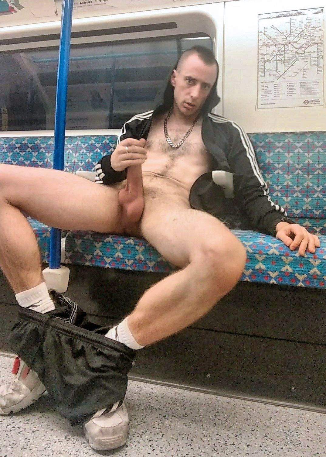 Gay Picture Public Naked Guy In Sex In This