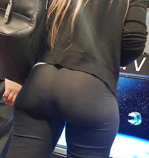 Linda mujer pantalon vestir apretado