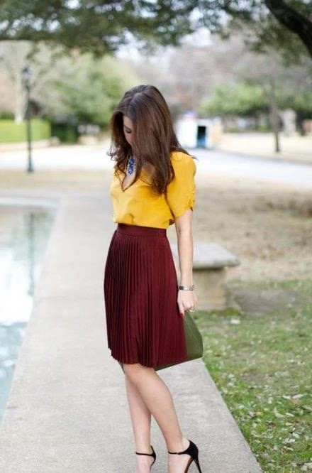 yellow with burgundy can be a great idea
