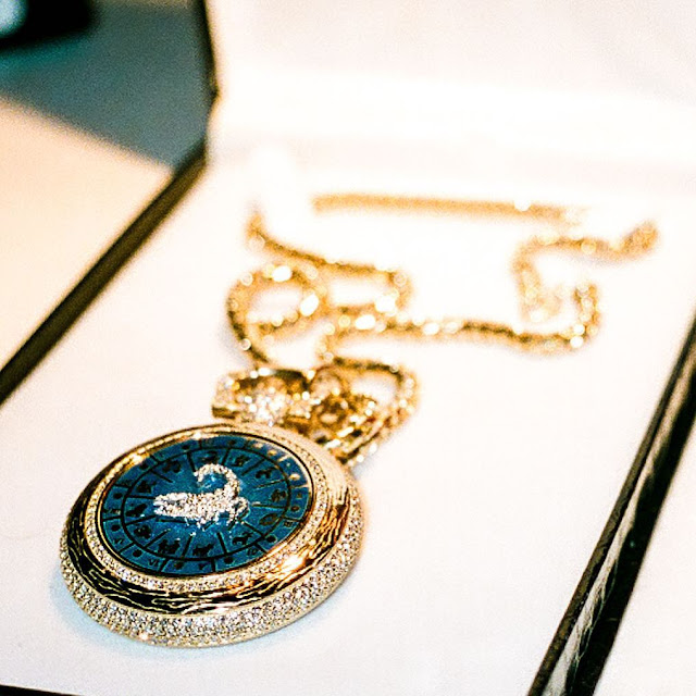 drake scorpion necklace