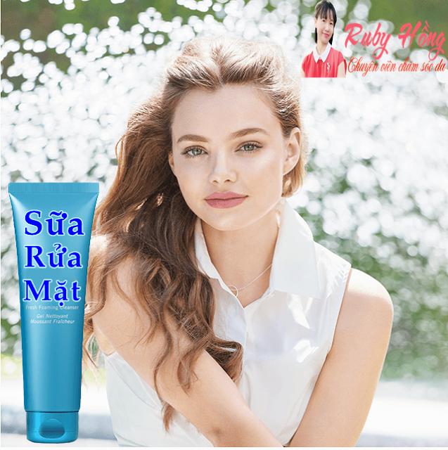 Gel rửa mặt dưỡng ẩm tươi mới làn da , vì da cần nước .