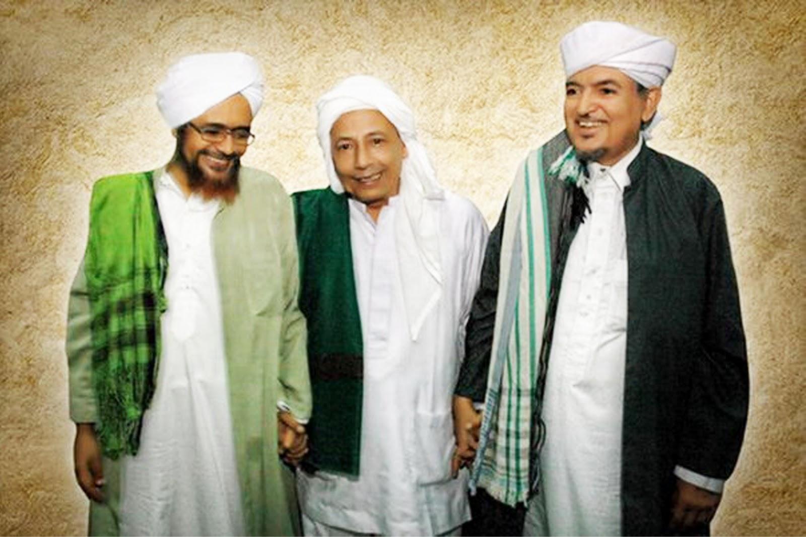 [Habib Umar bin Hafidz] Nahi Munkar itu tidak Dengan Mencaci Maki dan Provokasi Massa